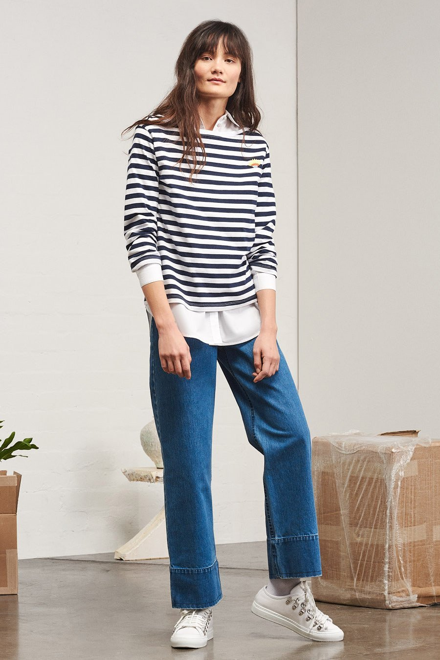 //www.thefrontlash.com/wp-content/uploads/2018/05/bb-boat-neck-top_09_navy-stripe_lookbook_800x1200@2x.jpg